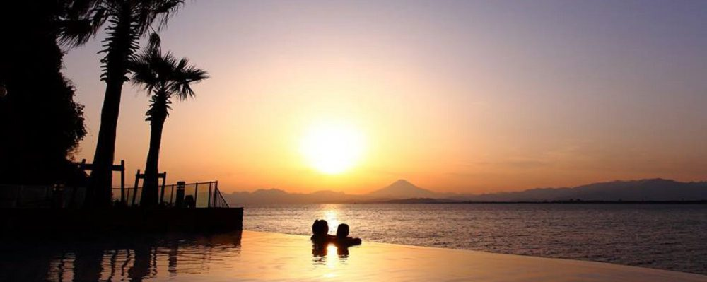 Enoshima Island Spa: Natural Hot-springs, heated pools and aromatherapy treatment with ocean and Mt. Fuji views.